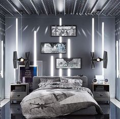 35 Awesome Star Wars Room Decor Ideas For Space Adventure Star Wars Room Decor, Star Wars Bedroom, Boys Bedroom Decor, Bedroom Themes, Teen Bedroom, Bedroom Ideas, Bedrooms, Decoracion Star Wars, Dorm Room Storage
