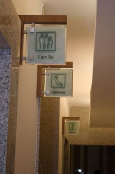 Wayfinding - Restroom sign  - Parque Shopping Maceió - Maceió (AL) - Brazil # Brazilian design