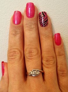 Pink and coral Shellac layering with glitter accent nail and Konad M57 stamping nail art. www.beckys-beauty.co.uk.