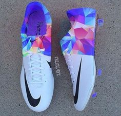 Mens/Womens Nike Shoes 2016 On Sale!Nike Air Max* Nike Shox* Nike Free Run Shoes* etc. of newest Nike Shoes for discount sale Soccer Gear, Soccer Boots, Football Shoes, Play Soccer, Soccer Tips, Girls Soccer Cleats, Soccer Stuff, Solo Soccer, Cool Soccer Shoes