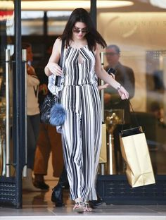 Kendall Jenner Photos Photos - Reality star turned model Kendall Jenner does some shopping with a friend at Barneys New York in Beverly Hills, California on November 21, 2014. Kendall is currently on a mission to become one of the world's top supermodels, and has worked fashion shows for brands such as Marc Jacobs, Chanel, and Balmain. - Kendall Jenner Shops at Barneys