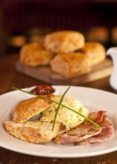 Warm Bacon & Cheese Scones with Scrambled eggs, bacon & tomato Relish. A great way to start your day Cheese Scones, Tomato Relish, Scrambled Eggs, Bacon, Warm, Meat, Chicken, Breakfast, Food