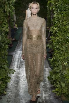 """Valentino Haute Couture Fall/Winter 2014 """"The Golden Stairs"""", dress in guipure with patterns of copper and gold goblets."""