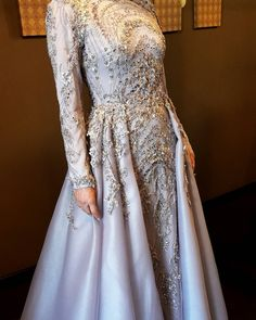 #sheevaofficial #sheevacouture #sheevabridal #bridal #weddingdress #abiye #nişanlık #kına #kınagecesi #fashion #fashiondesigner #hijabfasion #hijabi #kişiyeözel #hautecouture #İlknurgelin ❤ @boutiquepudra Hijab Dress Party, Hijab Gown, Hijab Outfit, Muslim Wedding Dresses, Muslim Dress, Muslim Brides, Bridal Dresses, Morning Dress, Engagement Dresses
