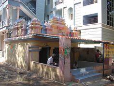 #magiaswiat #puthaparthi #podróż #zwiedzanie #indie #blog #indie #rzekaczitrawati #salamedytacyjna #szpital #posagibogów #wioska Indie, Mansions, House Styles, Blog, Home Decor, Decoration Home, Manor Houses, Room Decor, Villas