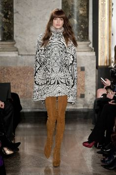 A mini in maximized black and white + boots in maximum length = Pucci perfection. Emilio Pucci Fall 2013 RTW Collection - Fashion on TheCut Catwalk Fashion, Fashion Show, Fashion Looks, Fashion Outfits, Emilio Pucci, London Fashion Weeks, Italian Fashion Designers, Fashion Articles, Review Fashion