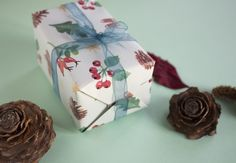 This wrapping paper with a Christmas pattern was printed in offset, a process which is especially environmental-friendly and of high quality. The illustrations were selfmade by Nele Hoffmann, the...