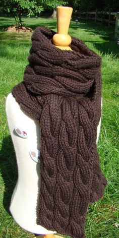 Rambling - cable knit scarf.