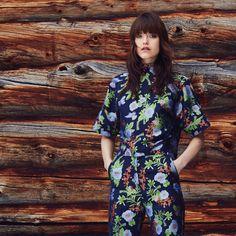 #hálo #halofromnorth #scandinavian #lapland #finnishdesign #designer #nordicstyle #nordicfashion #fashion #style #womenswear #highquality #european #fashiondesign #myhálo #Finland #Winter   #beautiful #follow #followus #like #netaporter #futureoffashion #love #summer #pinterest #darkhair #girl #woman #romantic #businessoffashion #fashionable #natural #ootd #outfitoftheday #outfit #partyoutfit #partylook #officelook #inspiration #inspo #outfitinspo #fallcoat #coat #jacket #unique Office Fashion, Work Fashion, Fashion Design, Scandinavian Fashion, High Rise Pants, Office Looks, Work Looks, Party Looks, Nordic Style