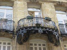 Balcon Art Nouveau, rue Ausone (imagine that as your address...;-)), Bordeaux  Gorgeously generous
