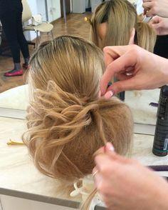 #hudabeauty @hudabeauty @hair.videos @hair.artistry @hairmakeupdiary @hairvideodiary @hair.great @styleartists