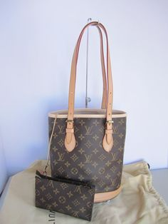 c101d1ff999b Bucket With Pouch Exc. Cond. Brown Monogram Canvas Shoulder Bag