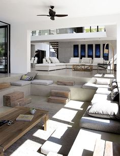 http://www.styledbyme.com.au/photos/