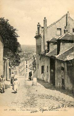 Vieux Montmartre, rue du Mont-Cenis Rue-du-Mont-Cenis - Old Montmartre in the rue du Mont Cenis