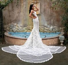 Extraordinary with a train that delivers a serious WOW-Factor! Strictly Weddings, Unique Weddings, Bridal Gowns, Wedding Dresses, Wedding Pins, Wedding Ideas, Wedding Inspiration, Instagram Posts, Galia Lahav