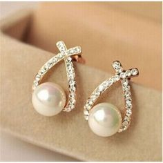 Cheap crystal stud earrings, Buy Quality fashion stud earrings directly from China stud earrings Suppliers: JAVRICK Nice shopping! 2017 Fashion Gold Crystal Stud Earrings Brincos Perle Pendientes Bou Pearl Earrings For Woman Pearl Stud Earrings, Pearl Studs, Rhinestone Earrings, Crystal Earrings, Women's Earrings, Crystal Rhinestone, Diamond Earrings, Silver Earrings, Crystal Flower