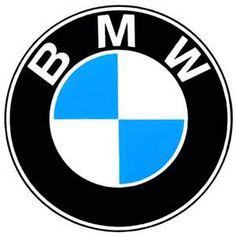 Dit logo heeft een ronde vorm met in het rondje de naam van het bedrijf. in het midden zijn 2 kleuren gebruikt namelijk wit en blauw. Er word een licht-donker contrast gebruikt aan de buitenkant. want het rondje is zwart en de letters erin zijn wit.