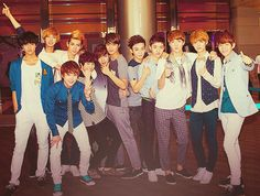 Mama era - how cute are they in this picture? I'll go and cry now.
