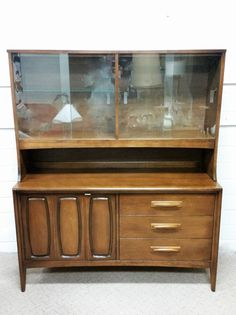 mid century modern china cabinet hutch broyhill premier emphasis vintage storage new house pinterest modern china cabinet china cabinets and vintage