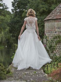 Stephanie Allin 2016 Wedding Dresses { Love Letters Bridal Collection } itakeyou.co.uk #weddingdress #weddinggown