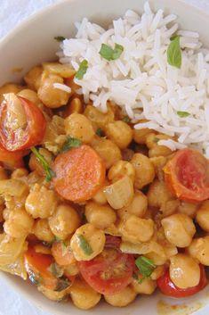 Garbanzos al curry con verduras y arroz - Comida Postres Ideas Veggie Recipes, Indian Food Recipes, Real Food Recipes, Vegetarian Recipes, Cooking Recipes, Healthy Recipes, Healthy Eating Tips, Healthy Nutrition, Curry