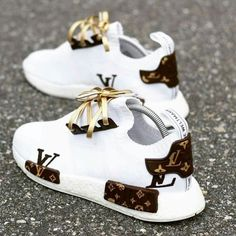 Best comfortable sneakers for girls – Just Trend. - Best comfortable sneakers for girls – Just Trend… – Source by - Moda Sneakers, Cute Sneakers, Girls Sneakers, Best Sneakers, Girls Shoes, Sneakers Fashion, Ladies Shoes, Shoes Women, Gucci Sneakers