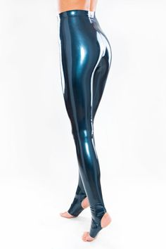Latex leggings with stirrups at Bright&Shiny online store Latex Pants, Latex Catsuit, Spandex Catsuit, Spandex Pants, Latex Swimsuit, Mode Latex, Vinyl Leggings, Lycra Leggings, Latex Wear