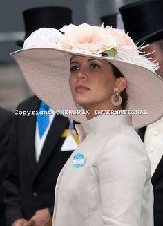 Princess Haya Bint Al Hussein of Jordan, Sheikha of Dubai Princess Haya, Royal Princess, Princess Style, Queen Hat, Smocking Plates, Royal Beauty, Fancy Hats, Royal Ascot, Lady And Gentlemen