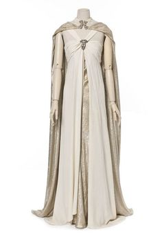 haute couture fashion Archives - Best Fashion Tips Vintage Dresses, Vintage Outfits, Vintage Fashion, Cape Costume, Madeleine Vionnet, 20th Century Fashion, Period Outfit, Fantasy Dress, Medieval Clothing