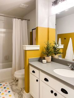 A bold yellow kids' bathroom makeover