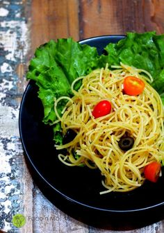 An easy recipe to make Spaghetti Aglio e Olio. Spaghetti cooked in One Pot One Shot method and served with a basic but (the most) flavorful pasta sauce made with garlic (aglio) and oil (olio). Have you seen the 2014 movie Chef? It is among my Top 5 most favorite and watched movies. Even as a...Read More »
