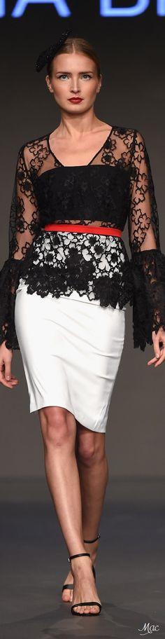 Fall 2016 Ready-to-Wear Jelena Bin Drai Long Gown Elegant, Fashion Models, Fashion 2016, Street Fashion, Uk Street Style, Modern Fashion, Formal Fashion, Fashion Details, Couture Fashion