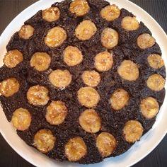 Bolo invertido de banana e chocolate sem glúten! Receita no blog!