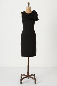 Little black dress...but with a bow! *Anthropologie love*