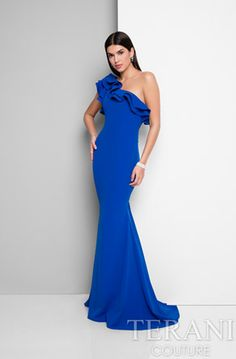 Looking for an evening dress for your next black tie event? Shop our selection of couture evening gowns from some of the world's top dress designers now! Pageant Dresses For Teens, Homecoming Dresses, Top Dress Designers, Simple Dresses, Formal Dresses, Formal Prom, Long Dresses, Pretty Dresses, Terani Couture