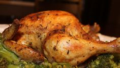 Searing the chicken first is the secret to excellent roasted chicken. Roasted chicken is the ultimate comfort food. Slow Cooker Huhn, Slow Cooker Roast, Crock Pot Slow Cooker, Slow Cooker Chicken, Slow Cooker Recipes, Crockpot Recipes, Paleo Chicken Recipes, Paleo Recipes, Real Food Recipes