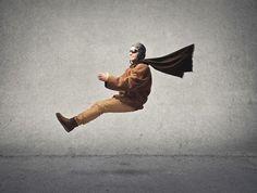 Traumdeutung: Fliegen im Traum bedeutet...?  Es gibt wohl kaum jemanden, der nicht schon einmal im Traum geflogen ist. Und so gehört das Motiv des Fliegens zu den am häufigsten vorkommenden Traumbildern. Was es mit diesem Symbol auf sich hat, erklärt die Traumdeutung Fliegen.  #Vidensus   #Traumdeutung   #Hellsehen   #Kartenlegen   #Gratisgespräch
