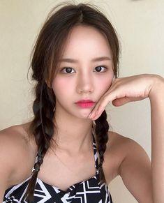 Girl's day - Hyeri Girl's Day Hyeri, Lee Hyeri, Kpop Girl Groups, Kpop Girls, Girl Sday, Something Special, Celebs, Celebrities, Korean Women