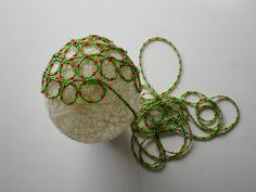 Pallina di lana con perline