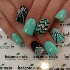 Gorgeous turquoise and black design!! I just love bling and bows <3