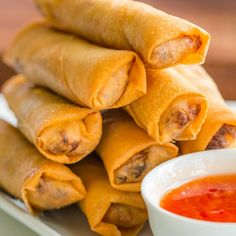 Homemade Chinese Food, Easy Chinese Recipes, Asian Recipes, Egg Roll Recipes, Pork Recipes, Kitchen Recipes, Cooking Recipes, Vegetable Egg Rolls, Homemade Egg Rolls