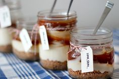 32 Irresistible Caramel Recipes You Have to Try via Brit + Co. No Bake Salted Caramel Cheesecake in a Jar. Mason Jar Desserts, Mason Jar Meals, Meals In A Jar, Köstliche Desserts, Delicious Desserts, Dessert Recipes, Yummy Food, Jar Recipes, Mason Jars