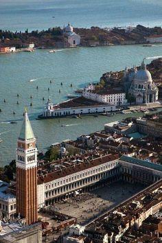 Piazza San Marco, Campanile di San Marco, Il Canal Grande, Bacino San Marco, Punta della Dogana, Basilica di Santa Maria della Salute e Basilica del Redentore, Venezia