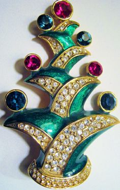 French Christmas Tree Pin
