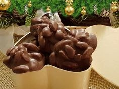 Σοκολατάκια με αμύγδαλα (ανώμαλα) !!! ~ ΜΑΓΕΙΡΙΚΗ ΚΑΙ ΣΥΝΤΑΓΕΣ 2 Pudding, Sweets, Cookies, Breakfast, Chocolate, Baking, Vegetables, Desserts, Cake