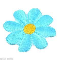 25PCs Flowers Embroidered Patches For Clothes Garments Iron Sew Lakebule 3.7cm