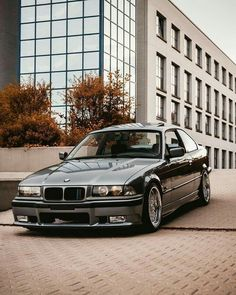 auto classic bmw used cars Bmw 3 E36, Suv Bmw, Bmw 328i, Bmw Cars, E36 Compact, Bmw Old, Carros Bmw, E36 Coupe, Bavarian Motor Works