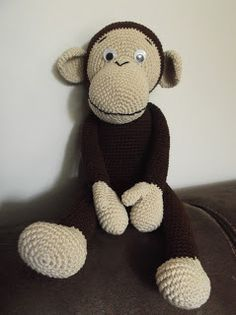 Free Crochet monkey but has to be translated Crochet Gratis, Crochet Amigurumi, Amigurumi Doll, Amigurumi Patterns, Crochet Dolls, Crochet Monkey, Love Crochet, Crochet Baby, Crochet Animal Patterns