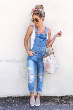 Ripped Denim Overalls With Tank Top ★ How to wear women overalls: best denim, vintage, shorts and other ideas. Source by ccmckenn outfits women Cute Summer Outfits, Trendy Outfits, Summer Clothes For Women, Spring Outfits Women Casual, Outfit Summer, Cute Summer Clothes, 4th Of July Outfits, Womens Fashion Casual Summer, Summer Fashion Outfits
