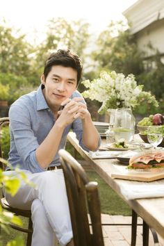 how cute is oppa Hyun Bin, Korean Star, Korean Men, Asian Men, Lee Min Ho, Asian Actors, Korean Actors, Kim Young, Soul Songs